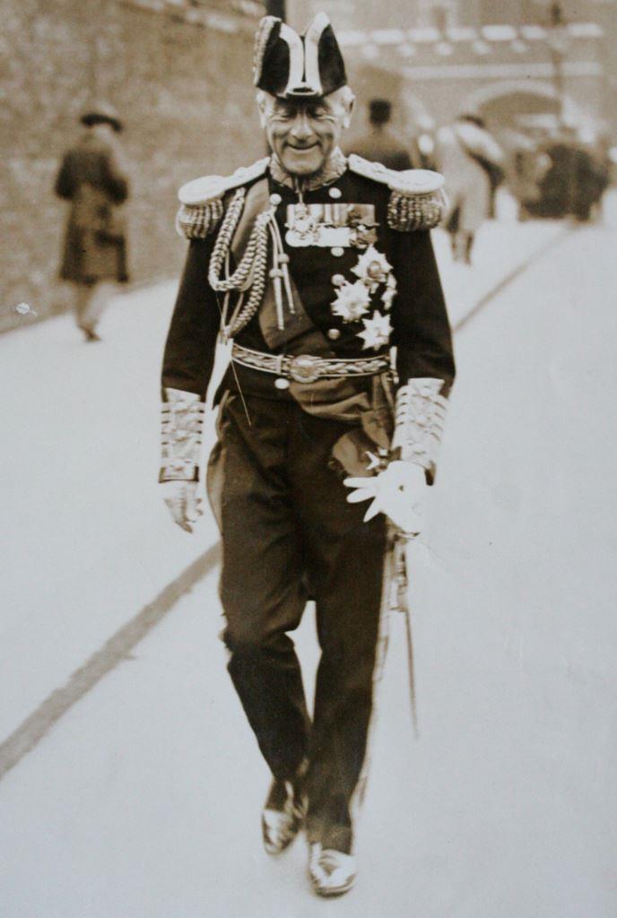 Black and white photograph of Admiral Jellicoe, 1st Earl Jellicoe circa 1925 in full uniform