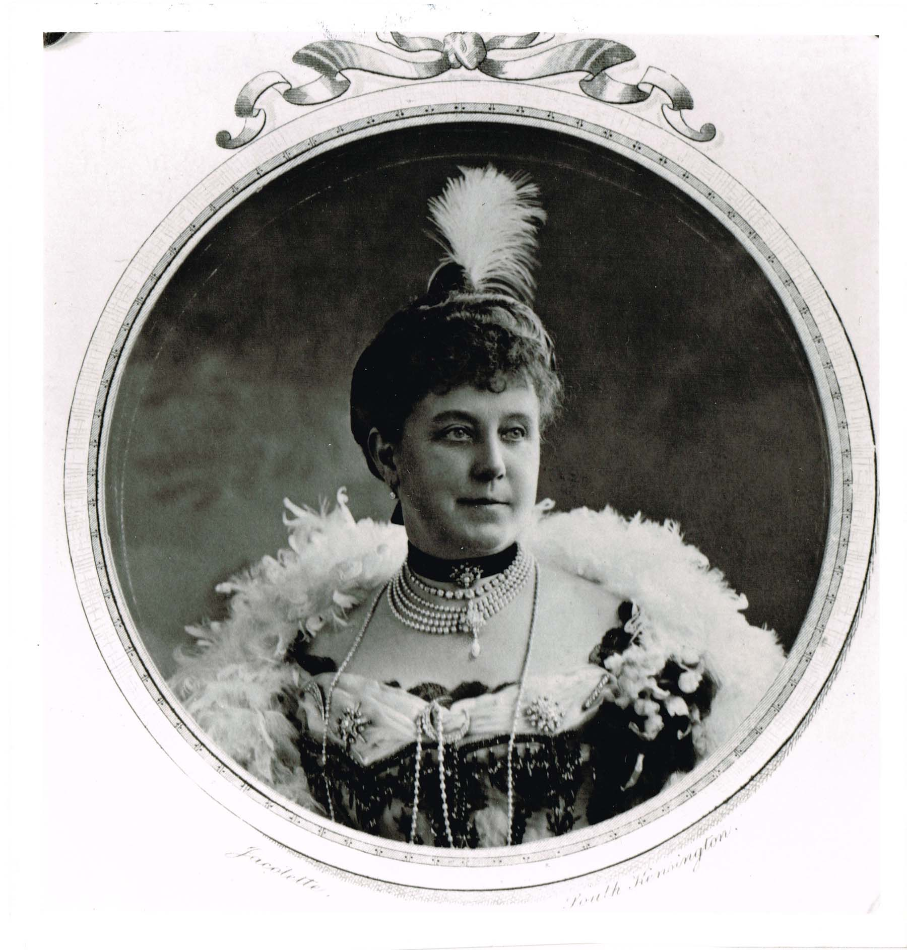 Black and white studio portrait of Lady Cayzer in 1906